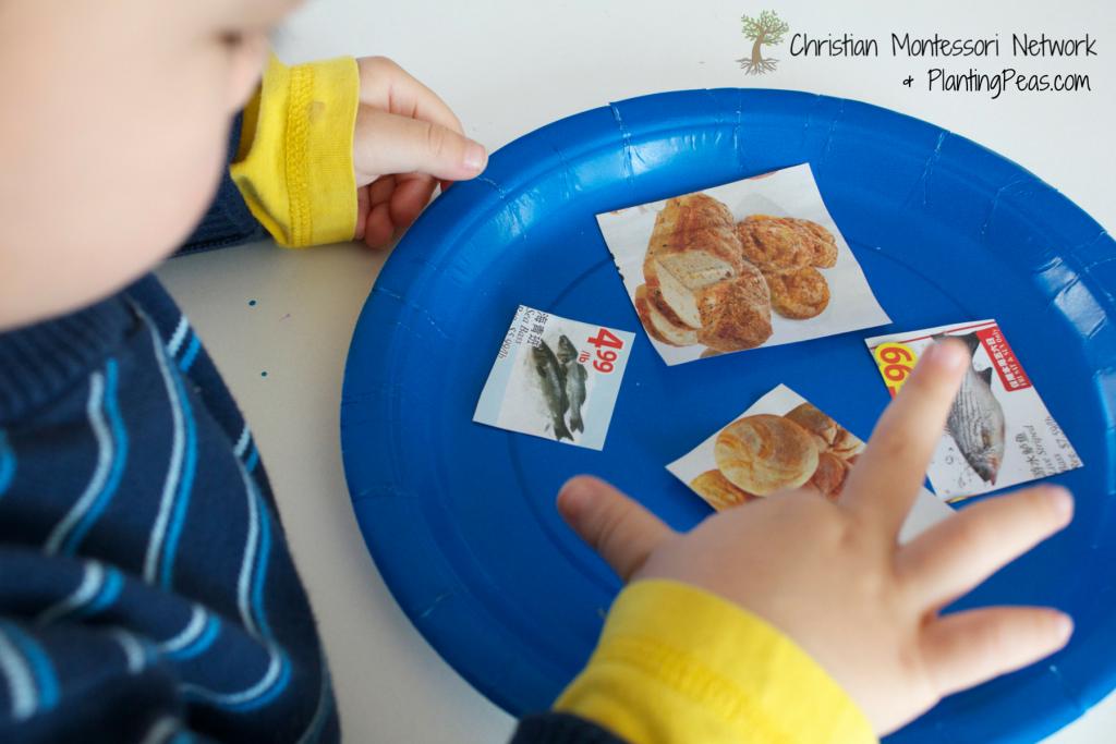 Montessori Inspired Kids Bible Activities - Jesus Feeds 5000 Paper Plate Art